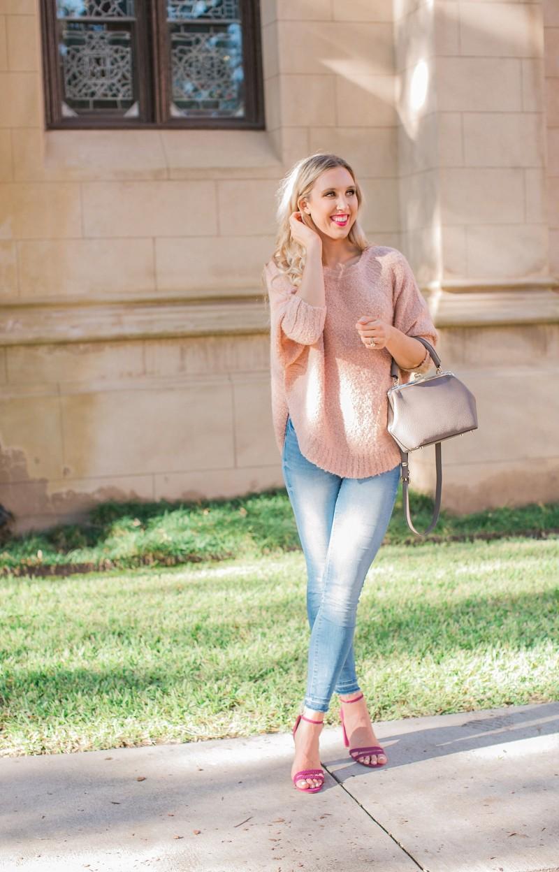 blush and camo, lou and grey, casual style, H&M denim, jemma handbag, jemma purse