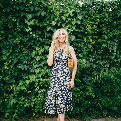 daisy print, daisy printed dress, 90s style, summer style, summer dress, blush and camo